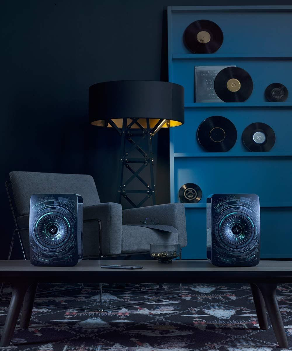 KEF LS50 Nocturne Edition Table Vinyl Records